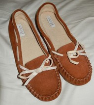 Kenneth Cole Reaction Suede Leather Moccasin Slippers Women's Size Large... - £11.66 GBP