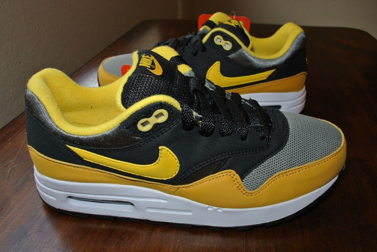 reputable site 461d3 40079 Nike Air Max 1 (Gs) Youth Black Yellow Grey and 11 similar items. 57