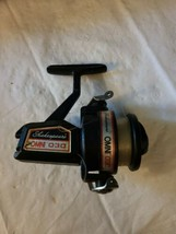 VINTAGE SHAKESPEARE OMNI 030 SPINNING FISHING REEL FOR PARTS OR REPAIR