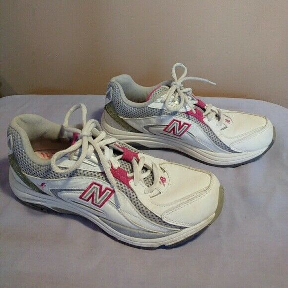 New Balance Womens Size 6.5 Susan G Komen Breast Cancer Awareness White Sneakers