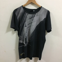 Uniqlo National Geographic Shirt Size L - $34.99