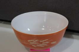 Vintage Pyrex Mixng Bowl Orange Autumn Harvest Wheat 403 2.5 Quart - $19.95