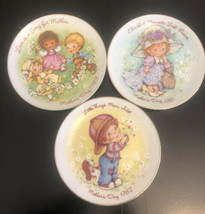 """3 Small 5"""" Avon MOTHERS DAY plates 1981 1982 1983 - $9.90"""