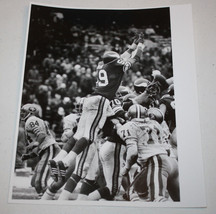 Vintage Original Press Photo Minnesota Vikings Matt Blair Blocked FG - $29.99