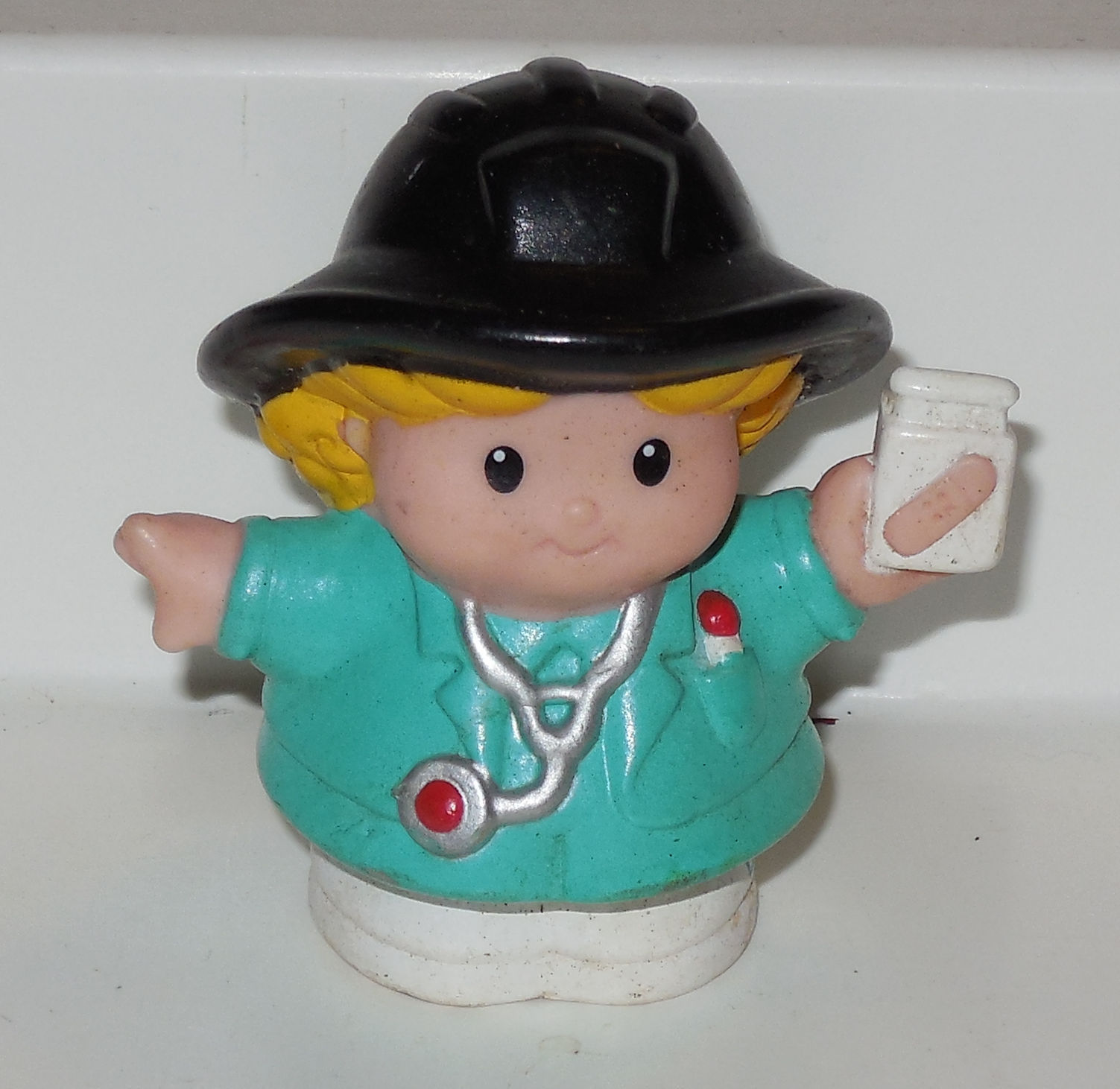 Fisher Price Current Little People Girl Doctor FPLP