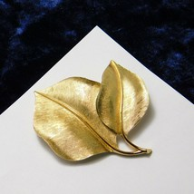 Vintage Crown Trifari Brooch Bay Leaf Brushed Gold Plated Costume Jewelry  - $24.95