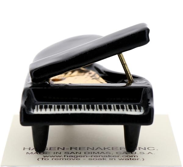 Grand piano1