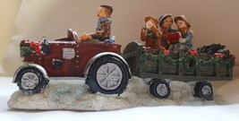Christmas Decoration Carolers in Carriage Holiday Decor Caroling Family ... - $10.84