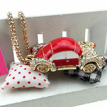 *NEW* CUTEBETSEY JOHNSON VW BEETLE CAR NECKLACE PENDANT ~ FREE SHIPPING - $14.84