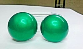 """Vintage Jewelry: 1"""" Christmas Green Dome Clip On Earrings 02-18-2019 - $7.99"""