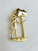 Vintage A.J.C signed gold tone woman playing golf metal brooch pin - $21.11