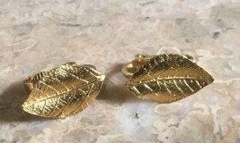 VINTAGE SIGNED CROWN TRIFARI  DAINTY LEAVES GOLD TONE CLIP STYLE EARRINGS - $14.24