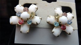 Signed Weiss 5 Point Prong Set Milk Multi Colored Flower Rhinestone Earr... - $29.00