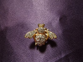 Rare Joan Rivers Crystal Bee Gold Tone W/ Emerald Eyes Metal Pin Brooch - $84.15