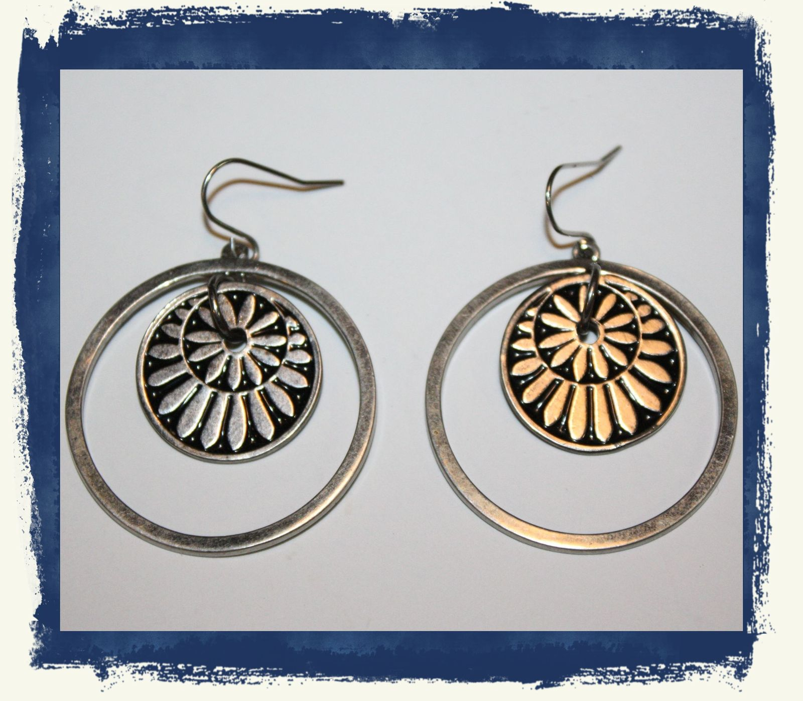 VTG 80s Silver Tone Concentric Circles Dangle/Drop Loop Pierced Earrings