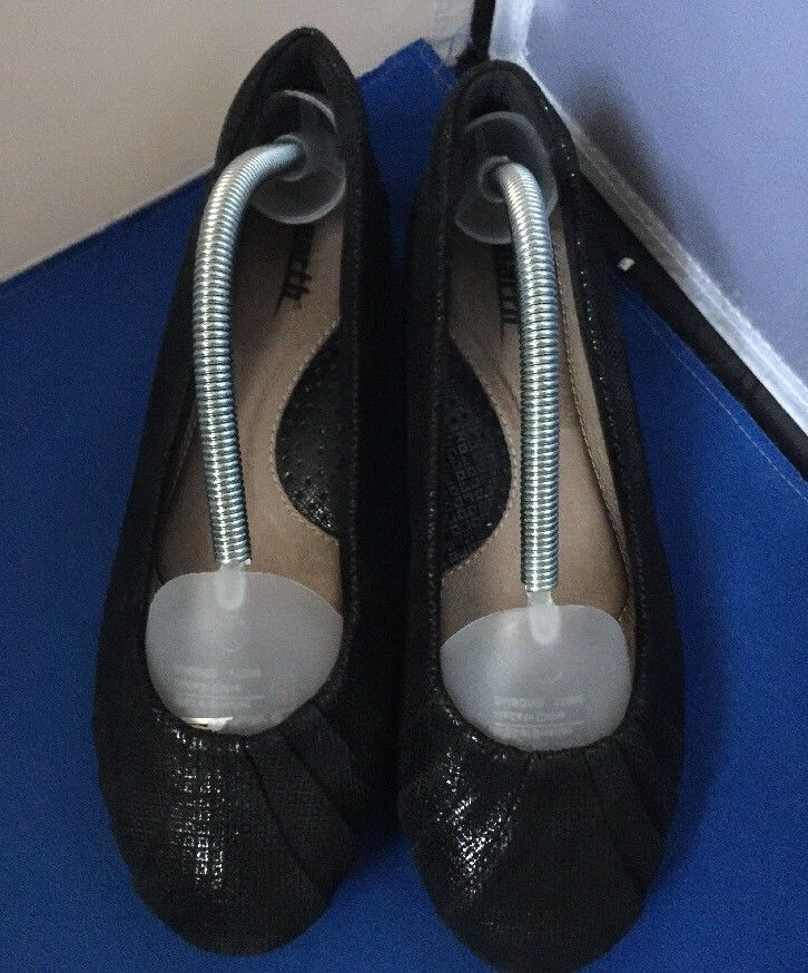 25af198e7a NEW Earth Shoes Bellwether Flats, Black Suede PRINT, Women's Size 7B -  $24.95
