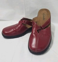 Clarks Mules Women's Red Slip On Size 8m - $27.76