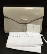 M2MALLETIER Designer Beige Patent Leather Envelope Clutch NEW - $3.218,22 MXN