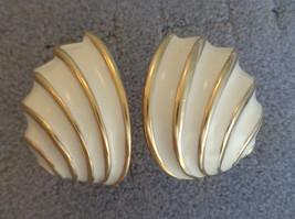 Vintage Kenneth Lane Clip On Earrings Creamy White Enamel Gold Tone Shel... - $16.82