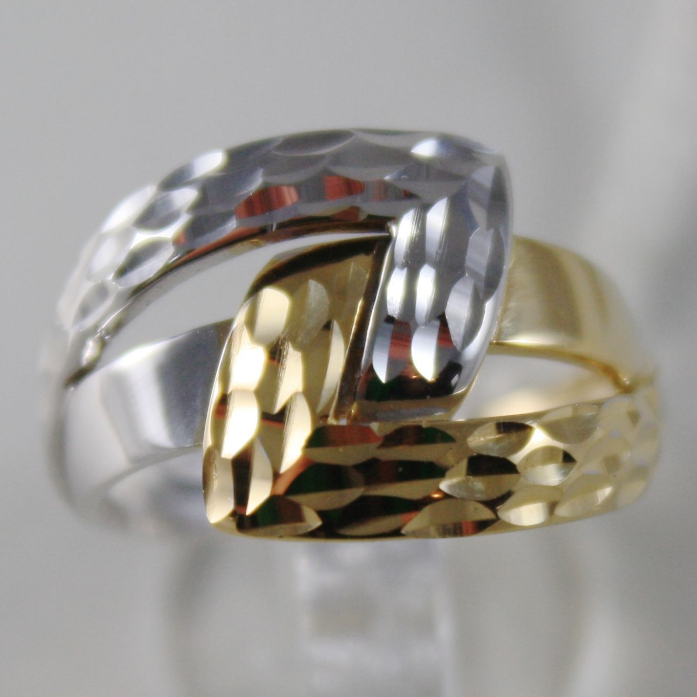 SOLID 18K WHITE & YELLOW GOLD BAND RING HUG INFINITY FINELY WORKED MADE IN ITALY