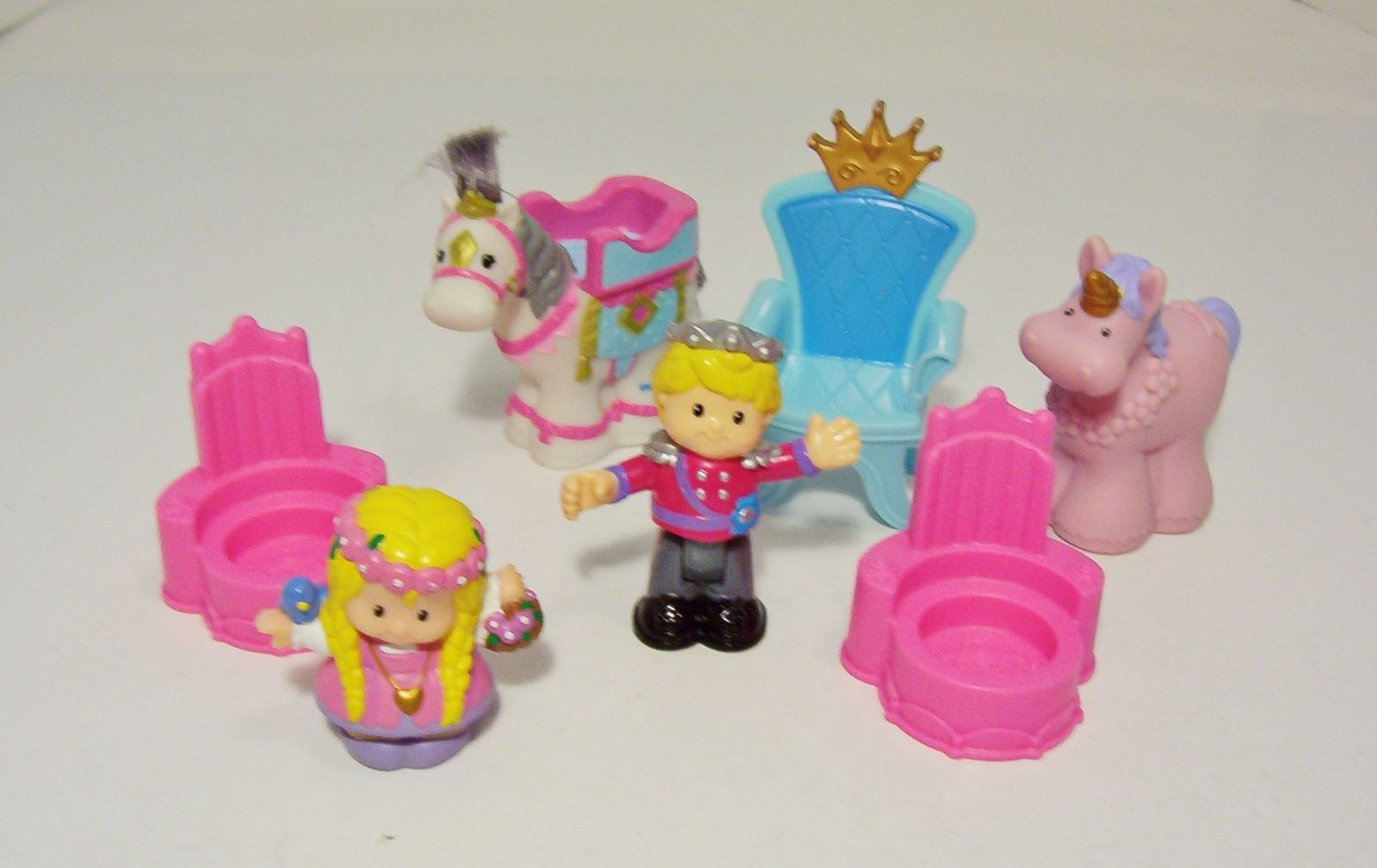 Fisher Price Little People Disney Princess Ariel Castle House Pink Chair Throne