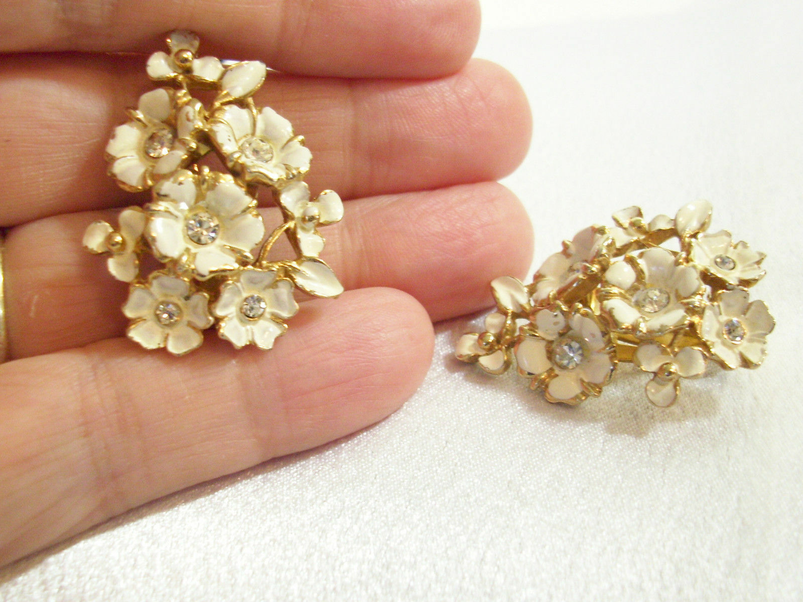 Primary image for Charel Rhinestone Enamel Flowers Floral Beige Off White Clip on Earring Vintage