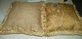 Pair of Gold Leaf Print Decorative Print Pillows with Fringe 18 x 18 - $1.311,11 MXN