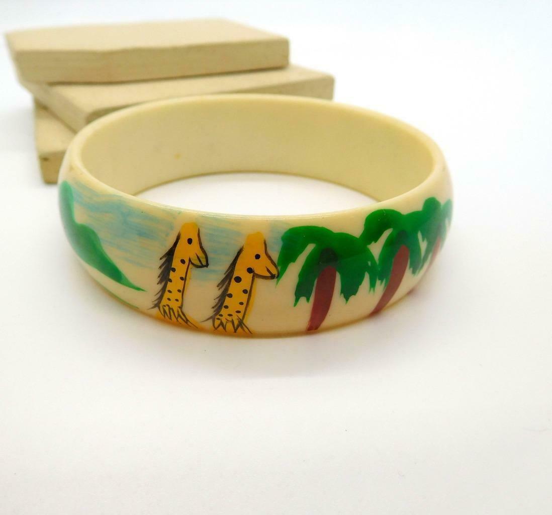 Retro Vintage Painted Giraffe Palm Trees Scene Cream White Bangle Bracelet AA29