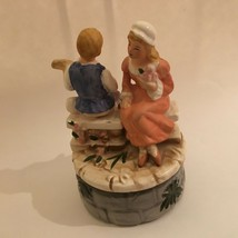 VINTAGE BOY & GIRL Handcrafted Rotating MUSIC BOX Works Great TUNDRA JAP... - $17.77
