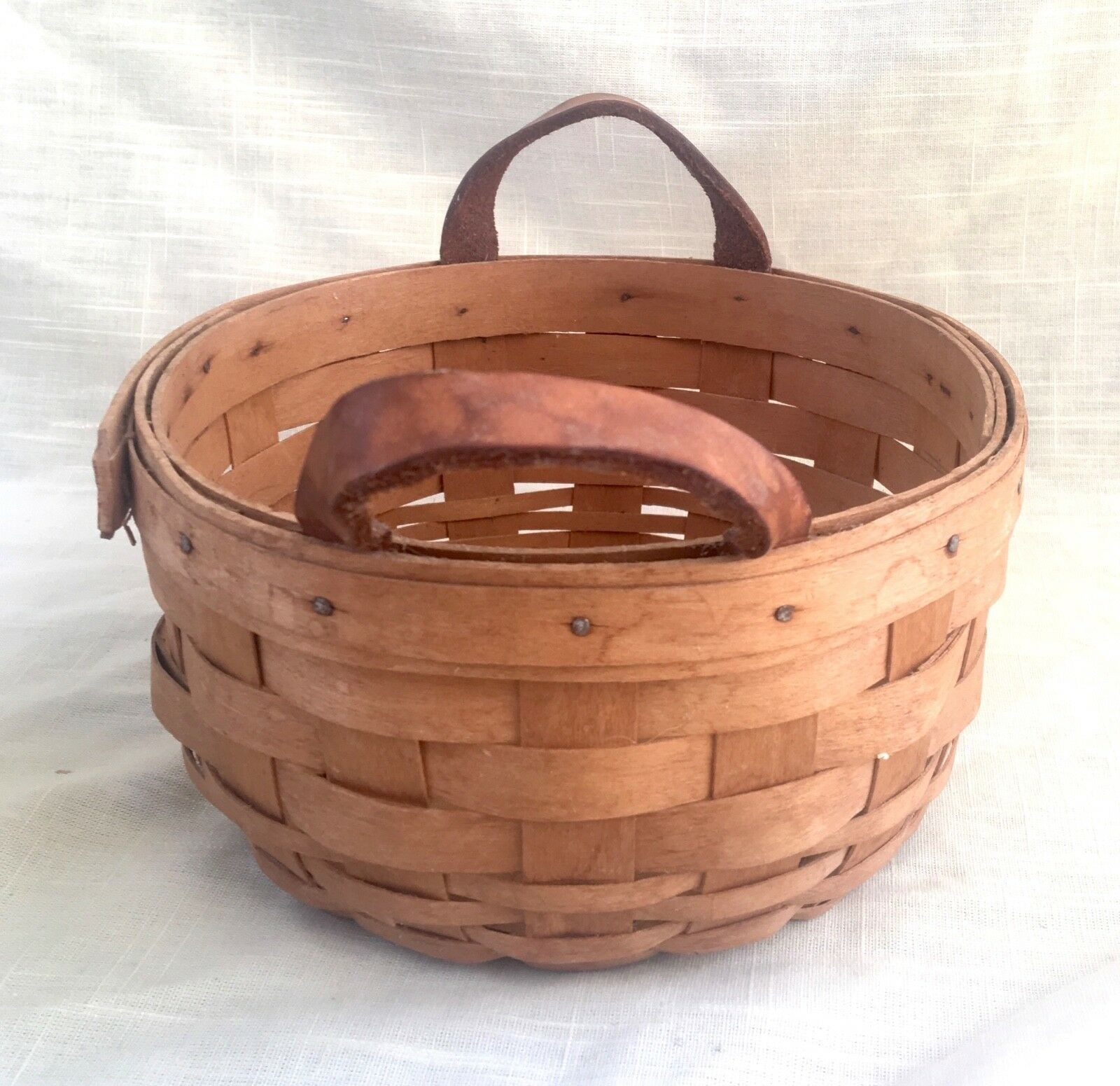 Vintage Small Round Vintage Longaberger Basket w/Leather Handles - 1998 SRP