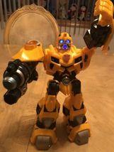 "Bumblebee Transformer 2009 Hasbro 10"" Talks and Lights Up EUC image 5"