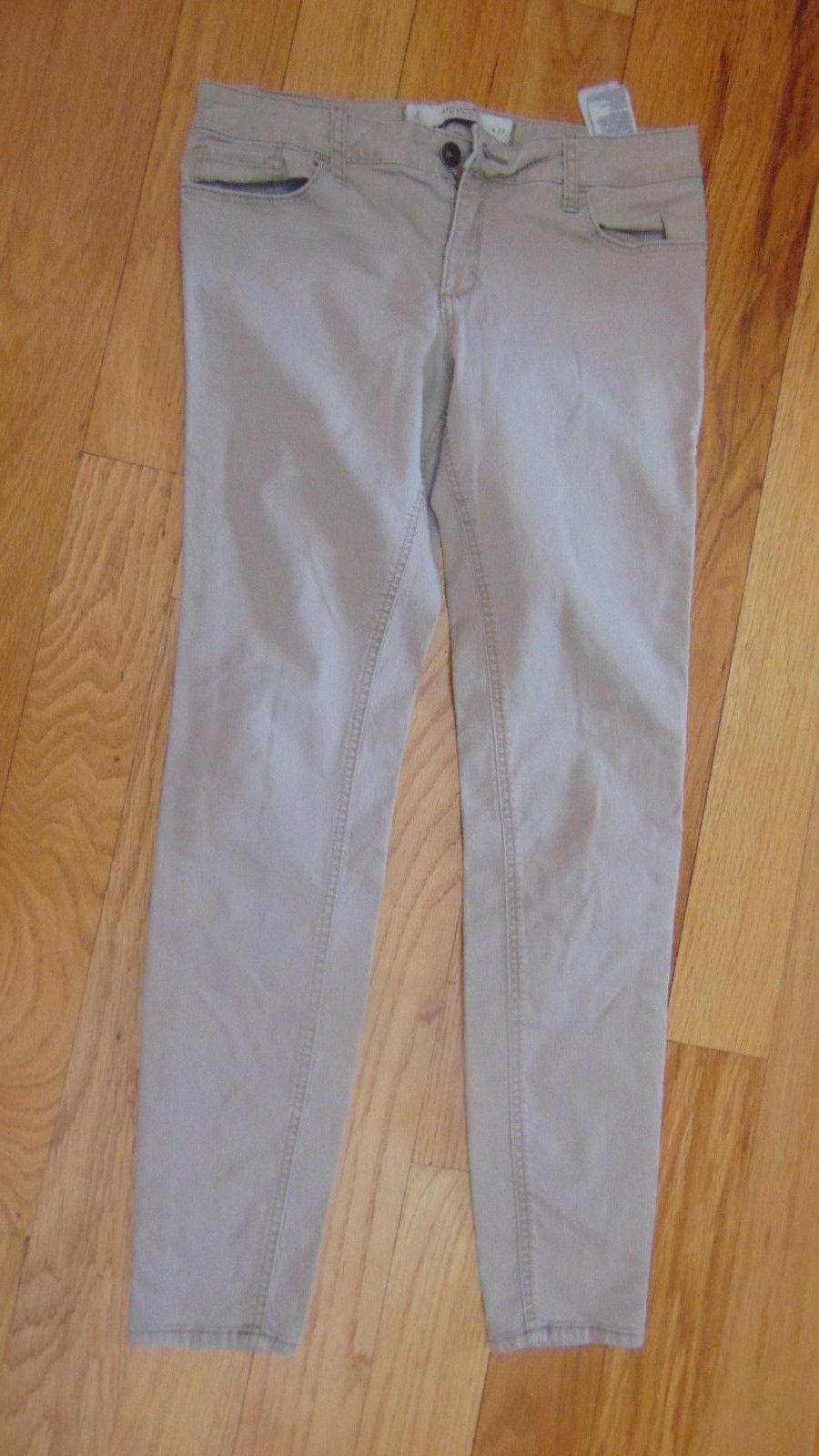 Girls Abercrombie & Fitch Size 4-Stove Pipe Leg-Khaki Color-T-Shirt-Blouse-