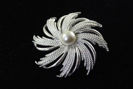 Large Faux Pearl Star Brooch by Sarah Coventry - $14.26