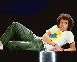Leo Sayer Great 1970's Studio Pose Color 16x20 Canvas Giclee - $69.99