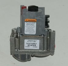 Honetwell Resideo VR8200A 2132 Dual Valve Standing Pilot Combination Gas Control image 3