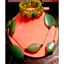 Lovely Vintage Necklace and Bracelet Lot - $20.79