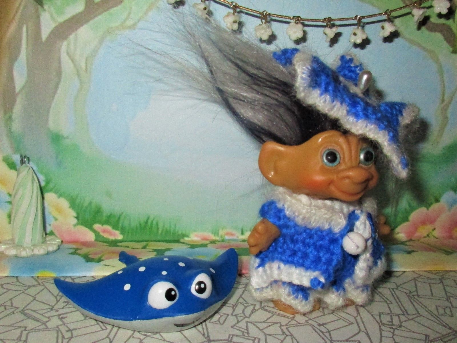 Vintage TROLL +STINGRAY PET 3in crochet dam doll 60's dress coat fascinator blue