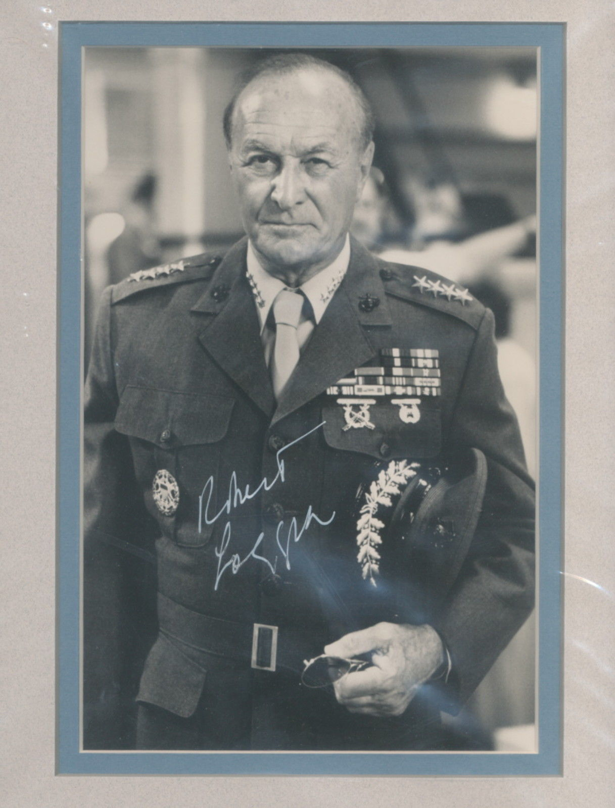 Primary image for Robert Loggia signed Indepoendence Day  photo. Beautifully double matted. Nice !