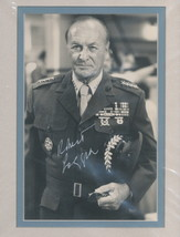 Robert Loggia signed Indepoendence Day  photo. Beautifully double matted. Nice ! - $24.95