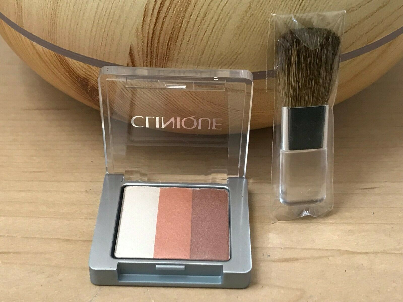Primary image for New Clinique Shimmering Stripes Powder Blusher in 01 PEONY & mini Blush Brush