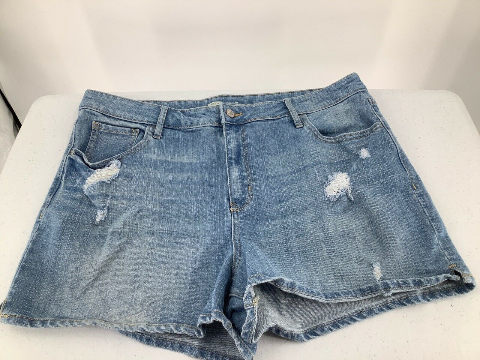 Primary image for Old Navy Women Sz 16 Shorts Blue Denim Regular Standard Distressed Stretchy Zip