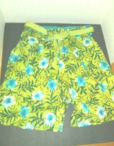 white stag womens shorts Sz 8 Green w Blue hibiscus flowers belted tropical - $19.80