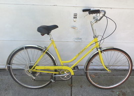 Vintage early 1970s Yellow Womens Chicago Schwinn Collegiate 5 Speed Bike - $107.53
