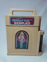 Glamour Gals Showplace Case 1981 Kenner Fashion Dolls Doll House Barbie - $19.99