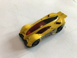 HOT WHEELS Yellow 2001 SIDE DRAFT Fast Shipping - $3.27