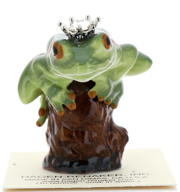 Frog prince on stump13