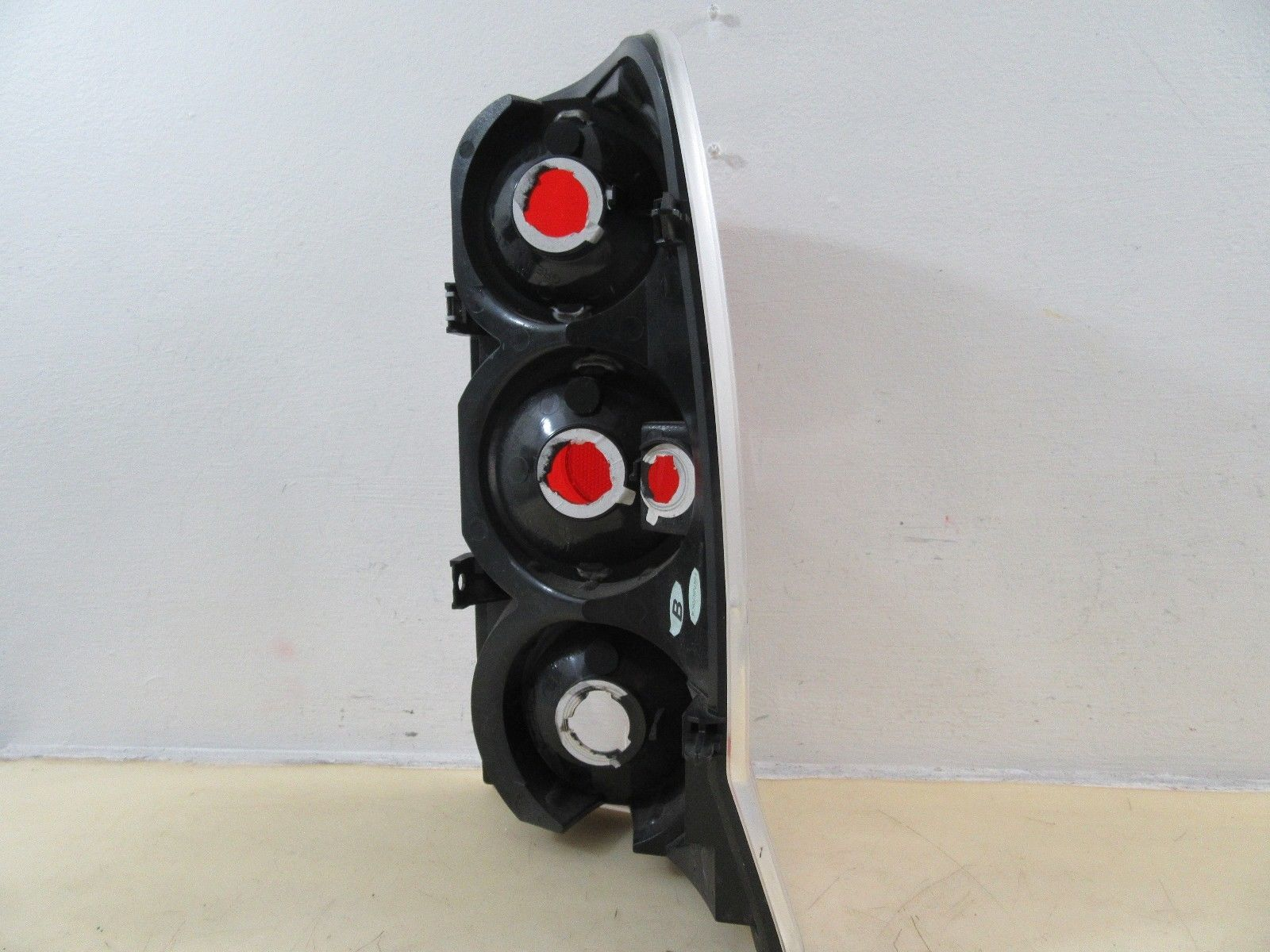 2002 2003 2004 2005 2006 CADILLAC ESCALADE LH DRIVER TAIL LIGHT BY SPYDER 315