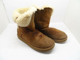 UGG Australia Womens Bailey Button 5803 Sheepskin Boot Chestnut Size 8M - $35.62