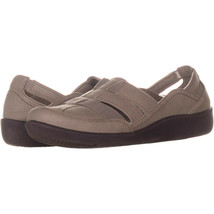 Clarks 2589 Slip On Sports Flats 211, Taupe, 8 US - $30.71