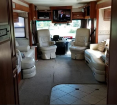2006 Fleetwood Revolution For Sale in Bath, Pennsylvania 18014 image 5